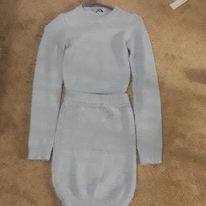 Sweater and skirt set (midrift)